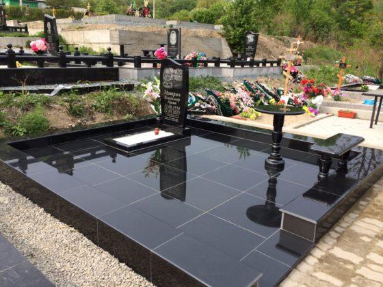 Плитка на кладбище